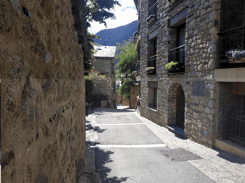 Calle núcleo antiguo