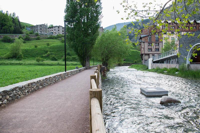 Paseo rio Mossen Ramon