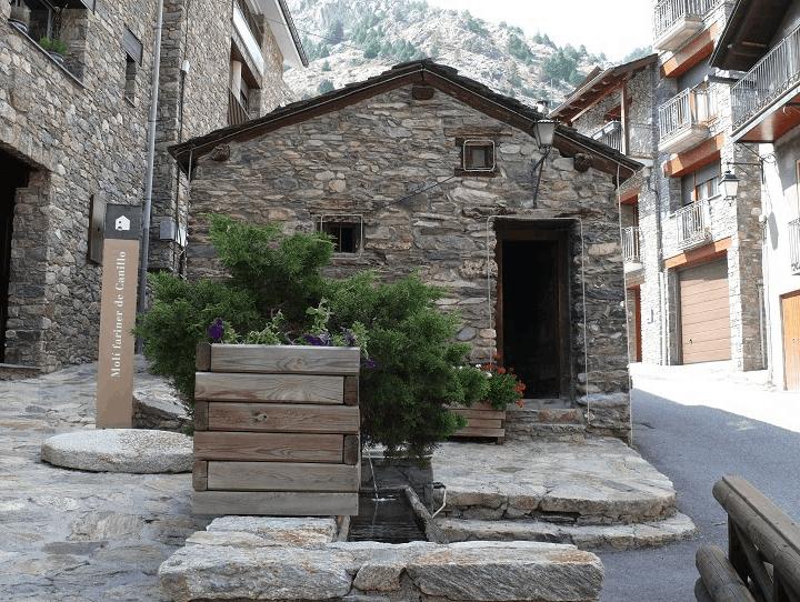 Andorra con perro Moli FAriner Canillo