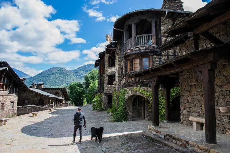 Calles del pueblo de Auvinya