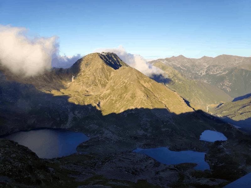 Vistas a los tres lagos de tristaina